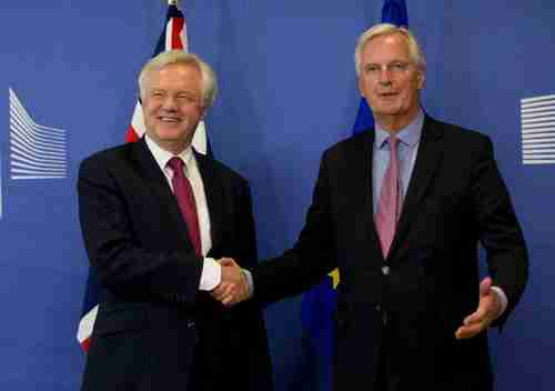 UK Brexit negotiator David Davis and EU Brexit negotiator Michel Barnier (AP)