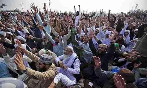 Hardline Islamist sit-in in Islamabad last week (Pakistan Today)