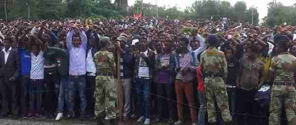 Ethiopian protesters facing the military