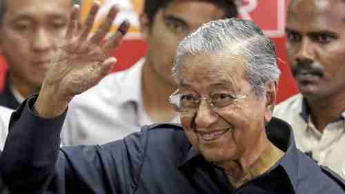 92-year-old Mahathir Mohamad wins election to become prime minister (EPA)