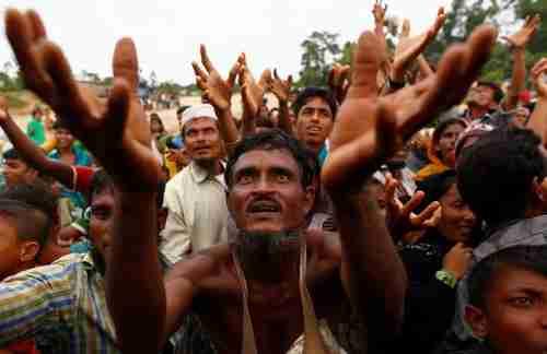 Rohingyas in Bangladesh receive humanitarian aid (Pakistan Today)