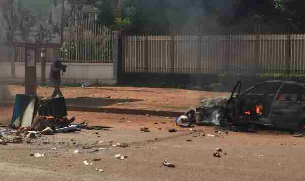 Aftermath of violence clashes in Bangui, CAR, on May 1 (Defense Post)