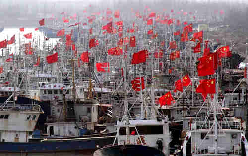 China's Maritime Militia consisting of thousands of fishing vessels are trained by China's military for military action, giving deniability to Beijing (China Defense Blog)