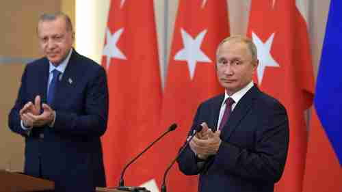 Recep Tayyip Erdogan and Vladimir Putin applaud themselves for having reached an agreement on Idlib on Monday in Sochi (RT)